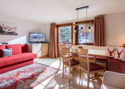 Appartement_Franziska_Bergliftstrasse_3_Westendorf_03_2021_Appartement_1_Wohnkueche_1